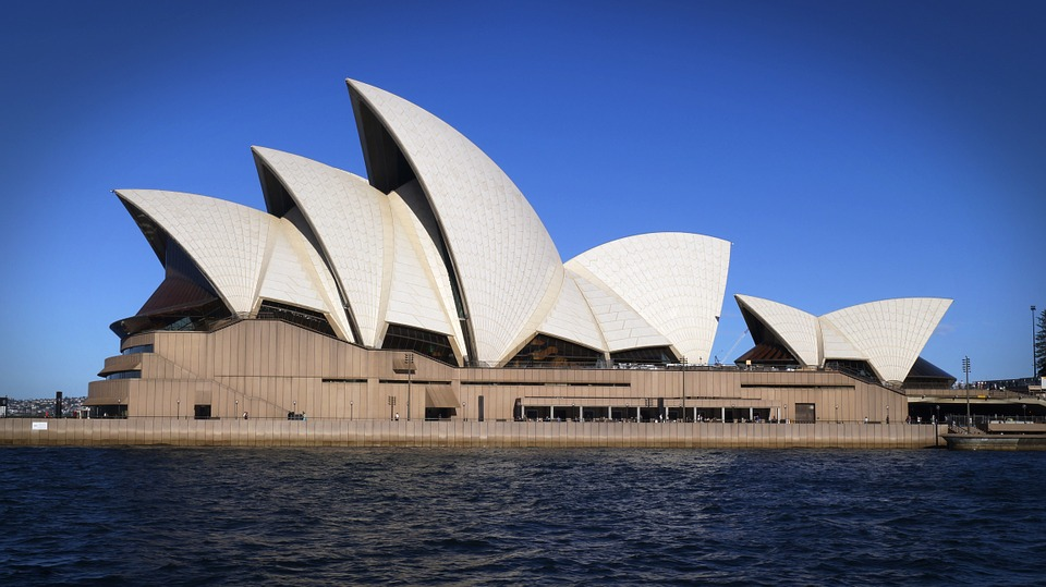 Tips to Save Money When Travelling To Australia